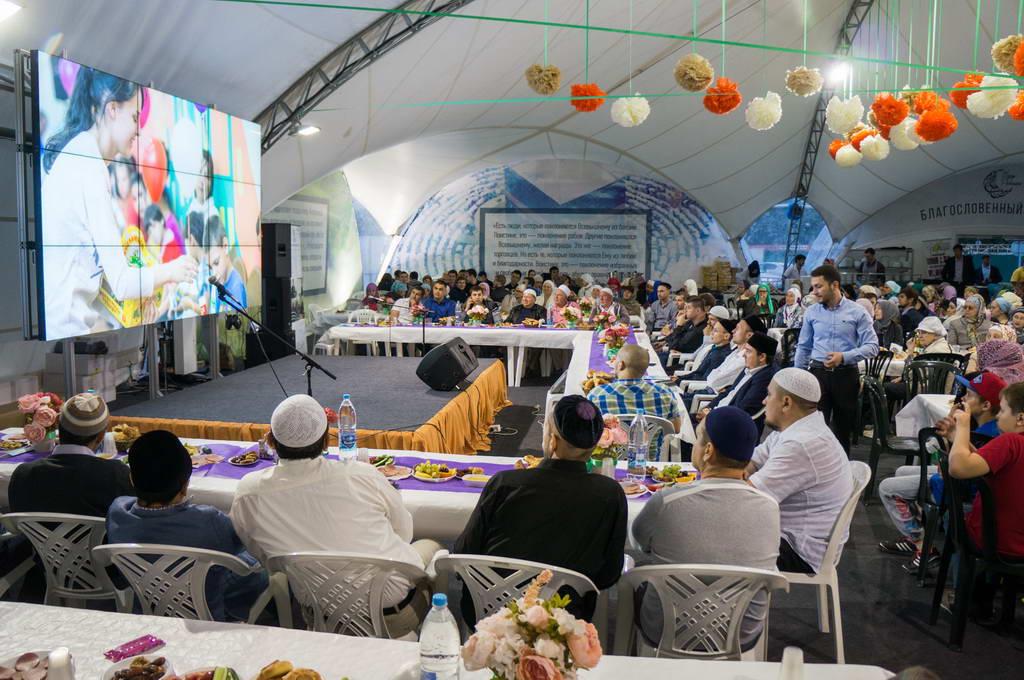 Вечер мусульманской общины Ульяновска в «Шатре рамадана» (г. Москва)