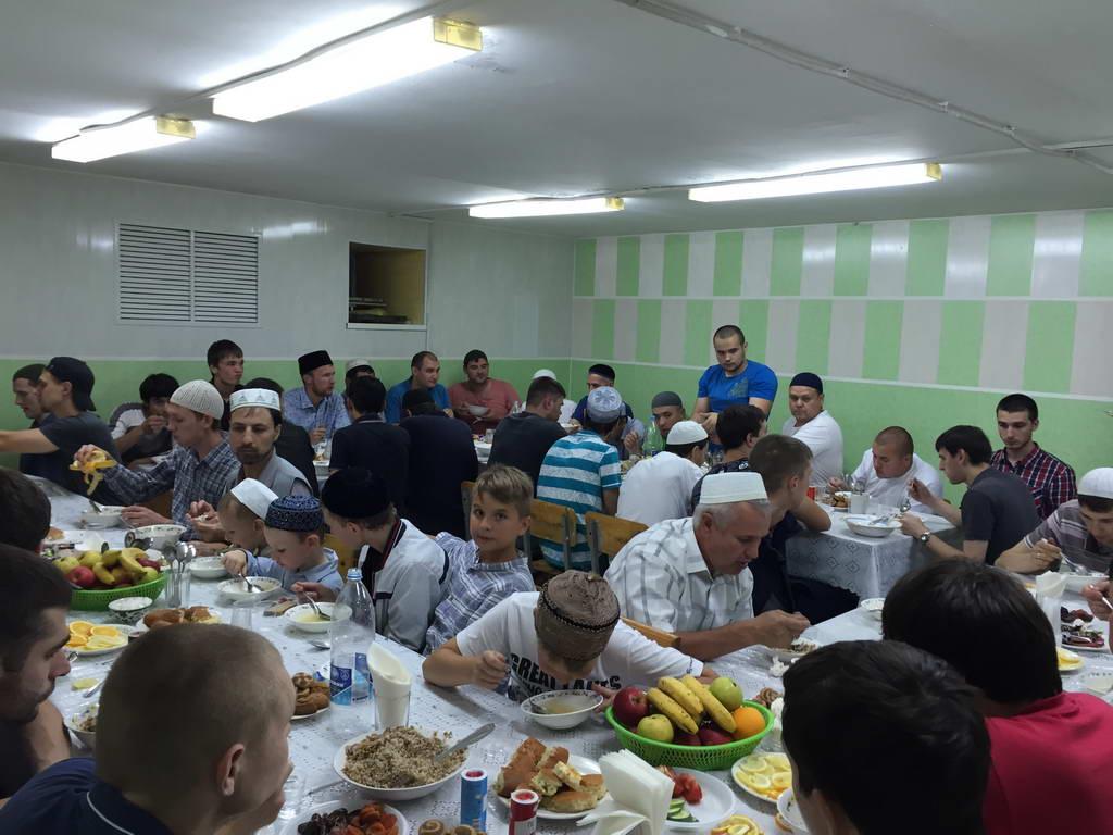 Благотворительные ужины (ифтары) от Фонда «Садака и закят»