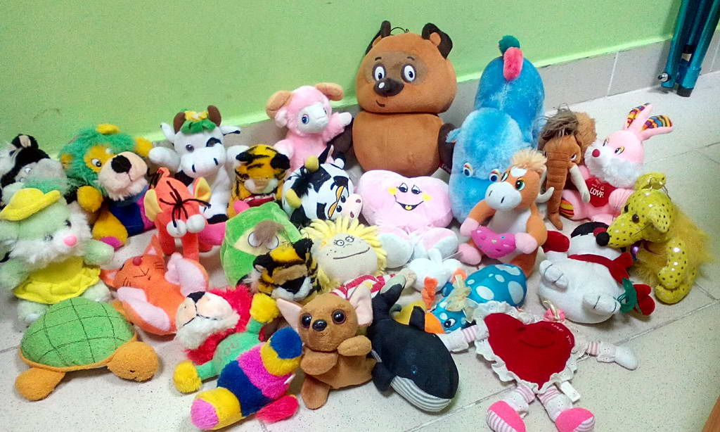 Игрушки детям